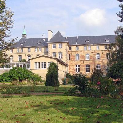 1280px abbaye saint martin des glandieres